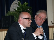 Herr Dr. Stefan Ulreich (E.ON AG, Political Affairs and Corporate Communications) und Herr Bürgermeister Friedhelm Engel aus Großkrotzenburg (CDU)